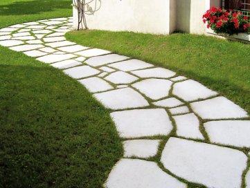 Pavimentazioni da giardino come sceglierle style - Vialetti da giardino ...